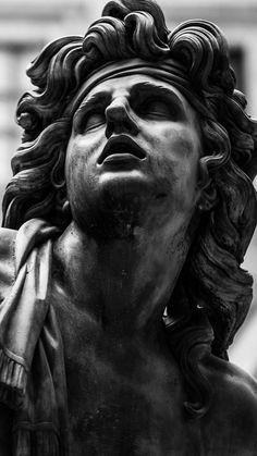roman sculpture Ik weet niet wie het is, - sculpture Roman Sculpture, Art Sculpture, Clay Sculptures, Bronze Sculpture, Sculpture Romaine, Greek Statues, Buddha Statues, Angel Statues, Greek Art