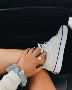 94 Ideas For Vans Sneakers Shoes Summer Sneaker Outfits, Converse Sneaker, Puma Sneaker, Sock Shoes, Cute Shoes, Me Too Shoes, Sneakers Mode, Vans Sneakers, Vans Shoes Outfit