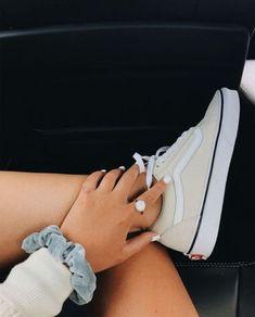 94 Ideas For Vans Sneakers Shoes Summer Sock Shoes, Vans Shoes, Cute Shoes, Me Too Shoes, Sneaker Outfits, Converse Sneaker, Tenis Vans, Sneakers Mode, Girls Sneakers