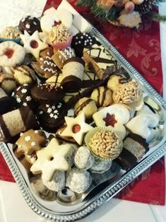 Štafetky. , recept | Tortyodmamy.sk Pudding, Sweets, Desserts, Food, Tailgate Desserts, Deserts, Gummi Candy, Custard Pudding, Candy