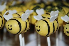 Gender Reveal Cake Pops | ... bee?? {Gender reveal cake} | A Little Something Sweet - Custom Cakes