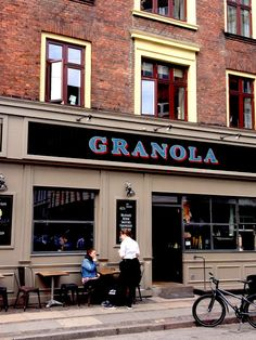 Lovely shops and city tips of Copenhagen -Vesterbro- on ensuus blog -Granola Cafe-