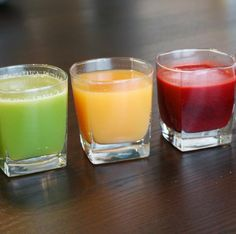 Summertime is the perfect time to give your juicer a workout! Check out these 4 clean juice drinks.