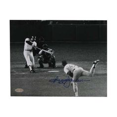 """Autographed Reggie Jackson 8-By-10-Inch Photo """"1977 World Series Game 6 Vs. Hooton"""" (MLB Authenticated)"""
