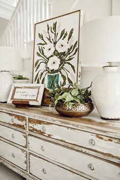 Author of Cozy White Cottage, 100 Ways to Love the Feeling of Being home, Liz Marie, shares a collection of the best spring entryways over to inspire you Home Decor Accessories, Decorative Accessories, Entryway Dresser, Cool Ideas, Diy Ideas, Decor Ideas, Cafe Interior, Interior Design, Interior Paint