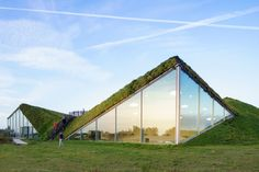 Architectural Wonders! Exceptional collection of green roofs around the world.