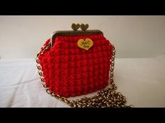Watch This Video Beauteous Finished Make Crochet Look Like Knitting (the Waistcoat Stitch) Ideas. Amazing Make Crochet Look Like Knitting (the Waistcoat Stitch) Ideas. Crochet Bag Tutorials, Crochet Crafts, Crochet Projects, Crochet Handbags, Crochet Purses, Love Crochet, Easy Crochet, Crochet Pouch, Frame Purse