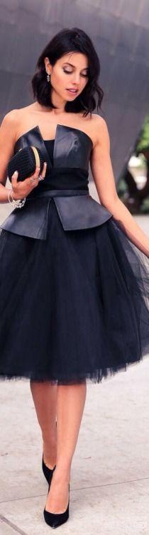Street Fashion   black leather/tulle dress