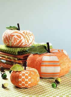 Fabric Pumpkins Too Cute!  I've made these years ago but have no idea where I stored them.  Time to go on a treasure hunt.