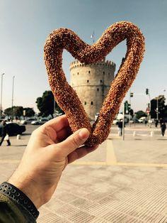 Αγάπη σήμερα είναι…