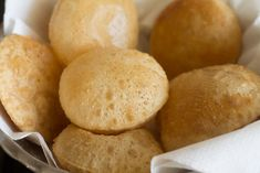 Learn how to make indian poori recipe or puri recipe (indian flat puffed bread) step by step. Pooris are unleavened, puffed indian bread. How To Make Crisps, How To Make Bread, Puri Recipes, Cake Recipes, Cream Of Wheat, Chapati, Korma, Quick Snacks, Food Cakes