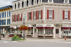 21 of the Best Small Towns in America Photos | Architectural Digest
