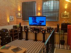 "New ""Faithful Audio"" showroom"