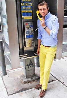 青シャツ×黄色パンツのコーディネート(メンズ) | Italy Web