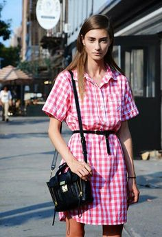 Coordinates Gingham Shirt Dress Different Sizes With a Leather Jacket Red, White, and Grey Head to Toe Pop of Yellow A Little Volume Never Hurt Nobody Blouse Vichy, Salopette Jeans, Fall Plaid, Camisa Formal, Style Casual, Gingham Check, Street Style, Dressed To Kill, Facon