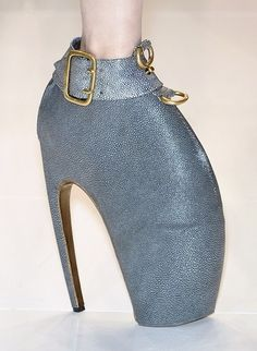 A buckled claw-shaped bootie from the Spring 2010 presentation.