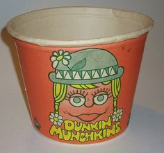 I'm so sad that at Labels Zoo we make labels now - they were much cooler in the Dunkin Donuts Munchkins Bucket. Donut holes came in these. Vintage Restaurant, My Childhood Memories, Sweet Memories, My Generation, Ol Days, Vintage Ads, Vintage Stores, Do You Remember, Good Ol