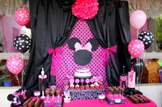 MINNIE MOUSE  Party Black table cloth
