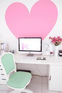 Love this little desk area!!