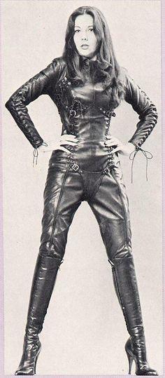De 34 beste afbeeldingen van leather uniform in 2020