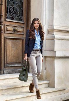 Gorgeous 34 Casual Fall Work Outfit Ideas for Women http://inspinre.com/2017/12/13/34-casual-fall-work-outfit-ideas-women/