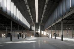 Another great transformation: Hangar 16 / Iñaqui Carnicero Architecture @Vincent Kwek Taapken