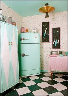 These dotted walls. And obviously love this retro hint of pink and mint. We love this feel of living in a drive in movie scene.