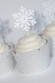 Easy Ideas For An Amazing Winter Wonderland Baby Shower 2019 Looking for Winte. - Easy Ideas For An Amazing Winter Wonderland Baby Shower 2019 Looking for Winte…- - Winter Wonderland Decorations, Winter Wonderland Birthday, Wonderland Party, Baby Shower Winter Wonderland, Winter Party Decorations, Parties Decorations, Winder Wonderland, Table Decorations, Christmas Decorations