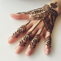 """""""Thanksgiving henna. #Stonington #maplemehndi #henna #hennapro #travel #Thanksgiving #mehndi #henna #adornment #hand"""""""