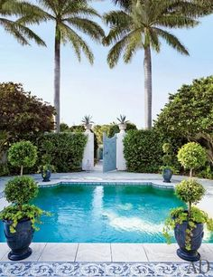 Plunge pool in Boca Grande, Florida, by Pieter Estersohn for Architectural Digest. Love the pool surround Florida Villas, Florida Home, South Florida, Florida Style, Destin Florida, Pool House Piscine, Outdoor Spaces, Outdoor Decor, Outdoor Living