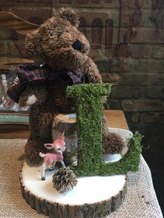 Accessorizing a woodland themed, rustic baby shower.