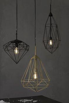 Aydınlatma ve Dekor Dünyasından Gelişmeler: JSPRdan Diamonds Sarkıt #aydinlatma #lighting #design #tasarim #dekor #decor
