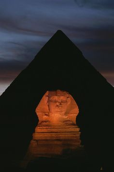 ✮ Equinox sunset at the Sphinx, with Menkaure's pyramid in background