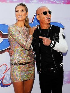 We've got our eyes on Heidi Klum's oh-so-sparkly dress! But we also dig her pal Howie Mandel's square aviators! Fabulous!