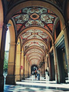 Bologna, Italy (by spliter) This is why Bologna is one of the most beautiful cities in Italy! Italy Vacation, Italy Travel, Places To Travel, Places To See, Bologna Italy, Italy Holidays, Italy Tours, Northern Italy, Beautiful Places To Visit