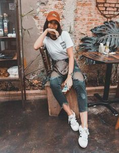 41 Fantastic Hipster Style Outfits Ideas To Try Right Now Hipster Style Outfits, Hipster Fashion, Casual Fall Outfits, Fashion Outfits, Outfit Winter, Style Fashion, Fashion Clothes, Vintage Fashion, Vintage Style