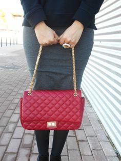 http://unachicasual.blogspot.com.es/2014/01/lady-sport.html  bolso, bag, falda lápiz, pencil, skirt, grey, red, rojo, gris, fashion, fashionblogger, look, ootd, inspiration, moda