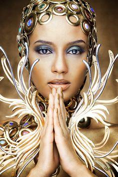 De doméstica a 'Golden Girl': Taís Araújo faz campanha usando joias de R$ 300…