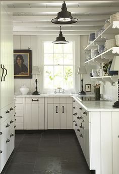 Decorating above kitchen cabinets with flowers for Country style kitchen handles