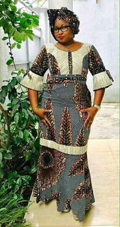 Flying dress Source by African Maxi Dresses, Latest African Fashion Dresses, African Dresses For Women, African Attire, African Wear, African Women, African Lace, African American Fashion, African Inspired Fashion