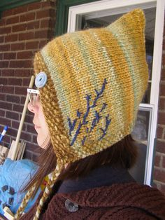 Lovely embroidery on this adorable pixie hat. *Paid pattern via Ravelry