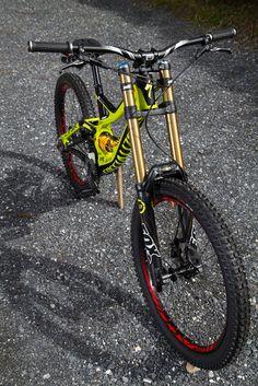 Specialized / Demo 7 8 and 9 Ktm Dirt Bikes, Bmx Bikes, Mtb Bike, Cycling Bikes, Specialized Mountain Bikes, Specialized Bikes, Mtb Downhill, Velo Dh, Montain Bike
