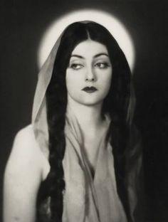 Silent film actress Eve Southern, 1928.