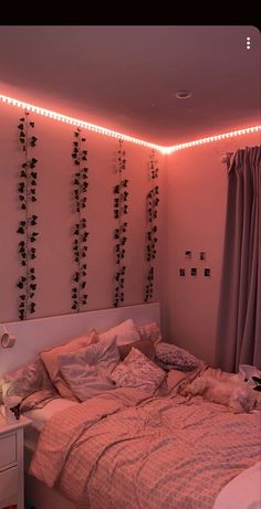 Bad Girl Aesthetic, Aesthetic Bedroom, Room Ideas Bedroom, Bedroom Lighting, Dream Rooms, Trending Outfits, Peach, Led, Lights