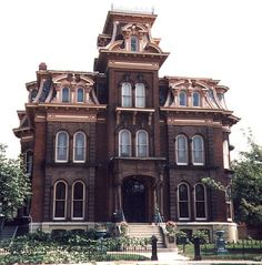 Jacob Henry Mansion Second Empire house (Dave's Victorian House Site - Illinois Gallery) Victorian Architecture, Beautiful Architecture, Architecture Design, Old Mansions, Abandoned Mansions, Old Buildings, Abandoned Buildings, Interior Exterior, Exterior Design