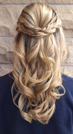 Braided half up hairstyle by Rachel Turley at Avante on Main Street Salon, Exton PA