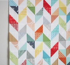 Love this zipper lookin' quilt from Cluck Cluck Sew :-)