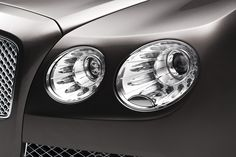 What's special about the headlights of the 2013 Bentley Flying Spur? - New Bentley Flying Spur goes after S-Class Lincoln Continental, Bentley Continental, Bentley Models, New Bentley, Bentley Flying Spur, Transportation Design, Car Wallpapers, Car Lights, Big Data