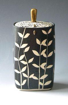 Rita Vali  |  Rectangular Thrown Jar.
