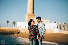 Sesion fotografica de parejas en Chipiona #faro #chipiona #fotografocadiz #parejas #sesionfotos